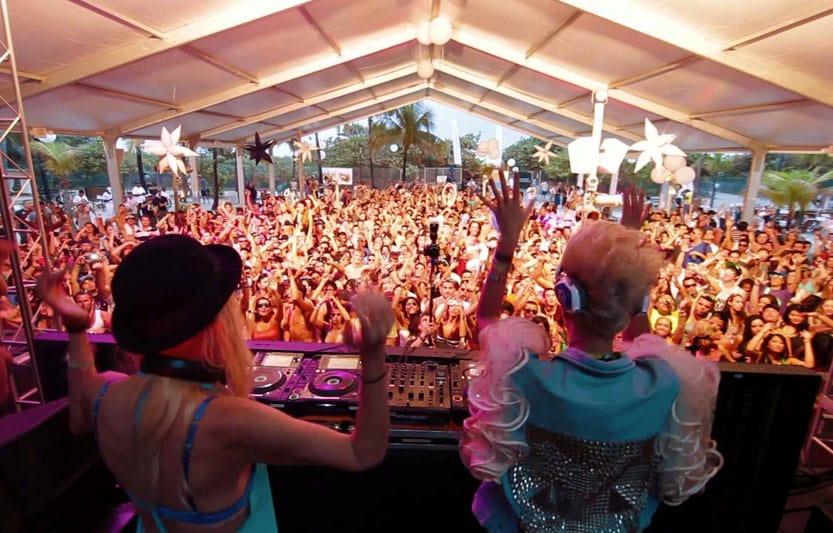 Festas na balada Nikki Beach em Miami