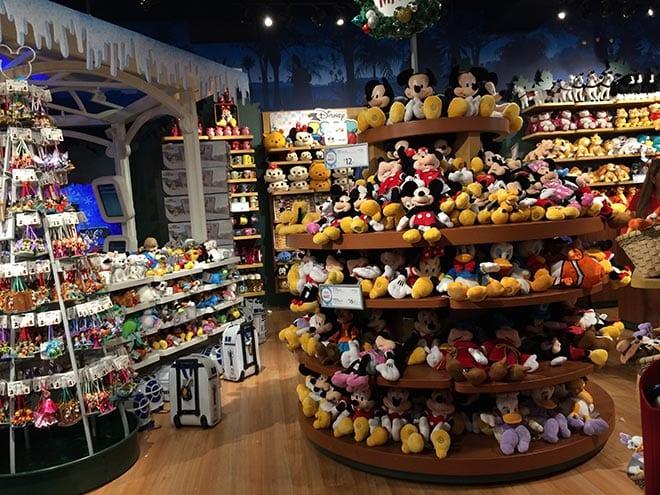 Produtos das lojas Disney Store em Miami