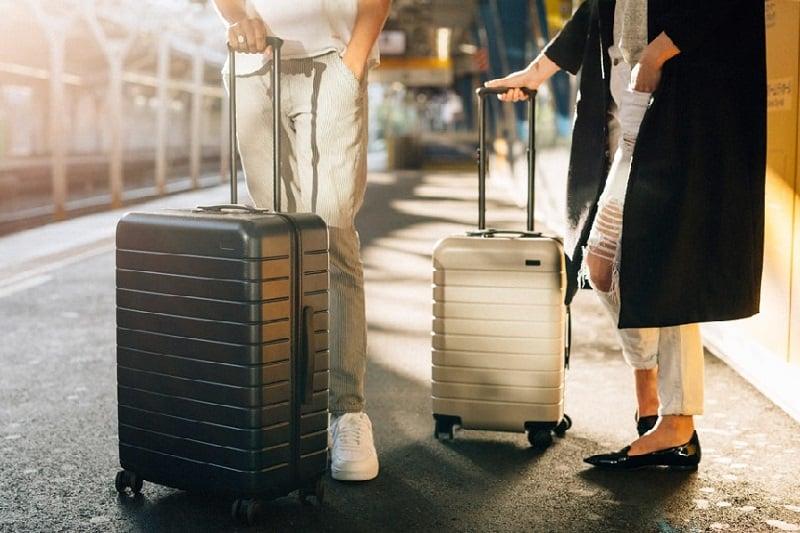 Malas em um planejamento de viagem para Miami