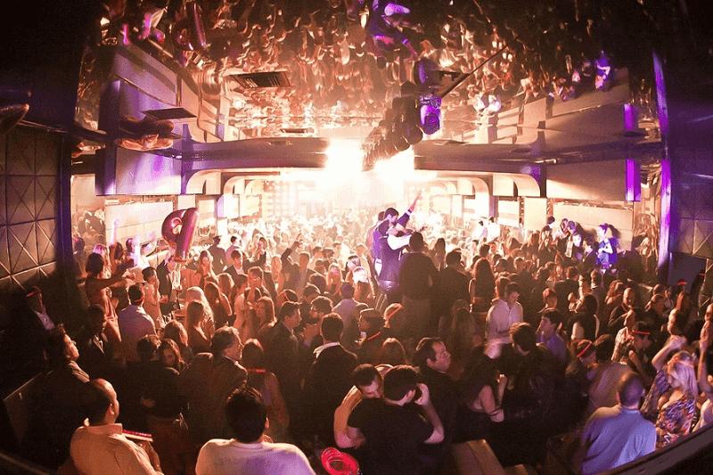 Festas na balada Mynt Lounge em Miami Beach