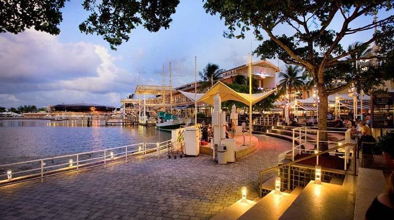 Bayside Marketplace para curtir a noite em Miami
