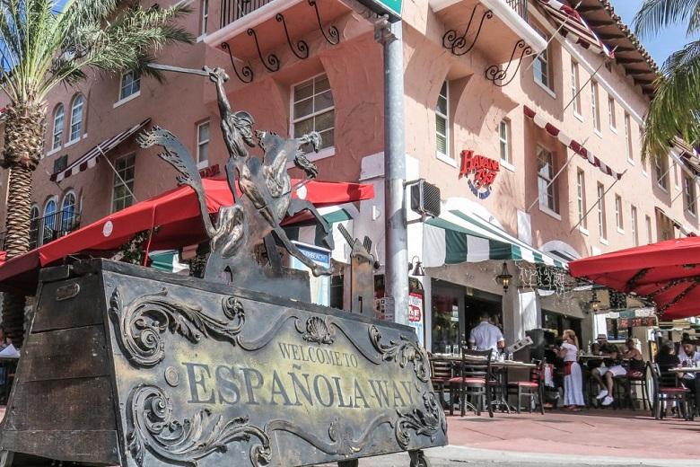 Estrutura da Española Way em Miami