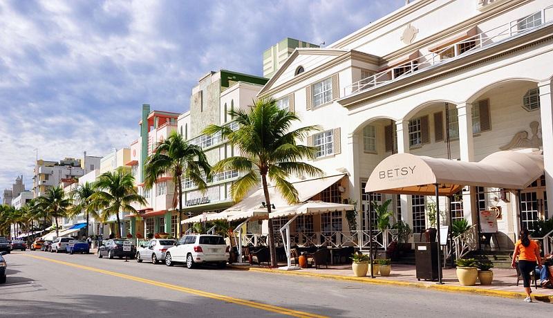 Compras em Española Way em Miami