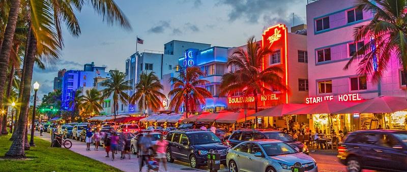 Avenida Ocean Drive em Miami