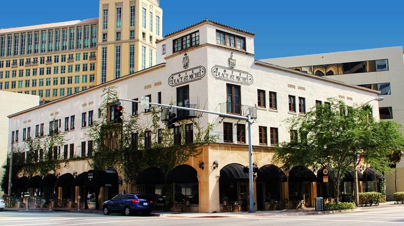 Hotel Place St Michel em uma viagem romântica por Miami