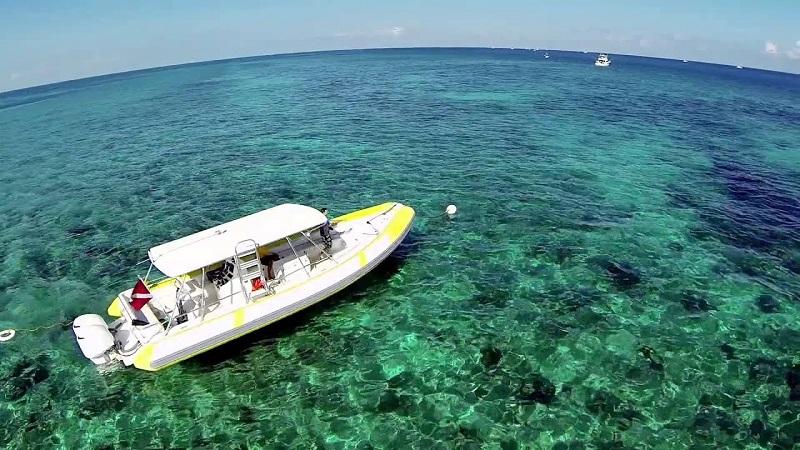 Barco em Biscayne Bay