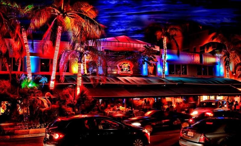 Balada Mango's Tropical Café na Ocean Drive