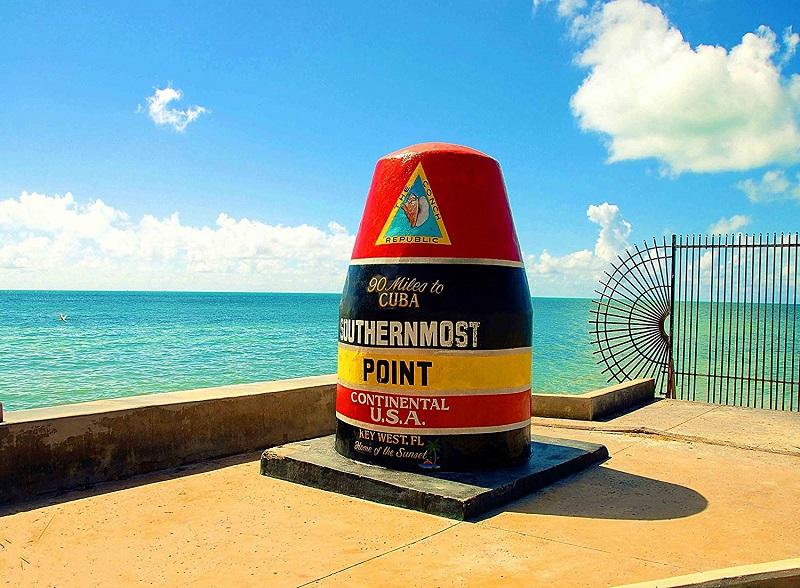 Marco das 90 milhas para Cuba em Key West