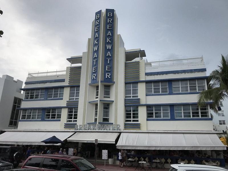 Edifícios na Ocean Drive em Miami